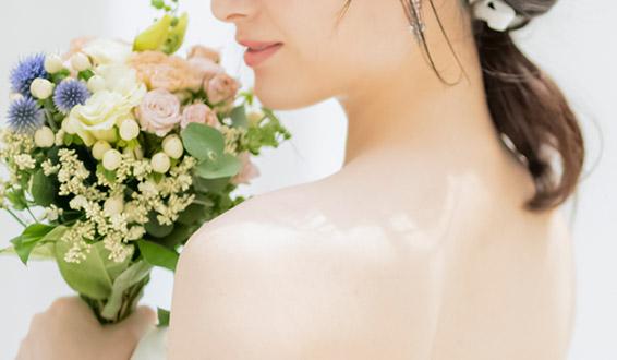 結婚式を控えているけど肩のラインが気になる…